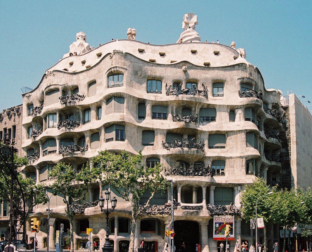Casa Milà,Passeig de Gràcia, Barcelona, Catalonië, Spanje (2003)