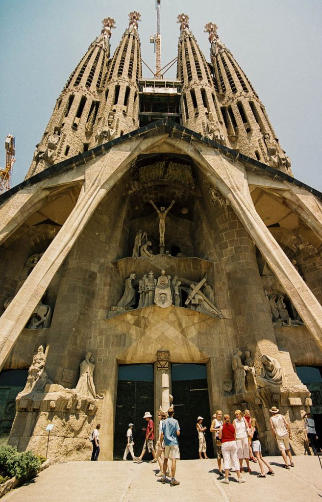 Lijdensfaçade,Sagrada Familia, Barcelona, Catalonië, Spanje (2003)