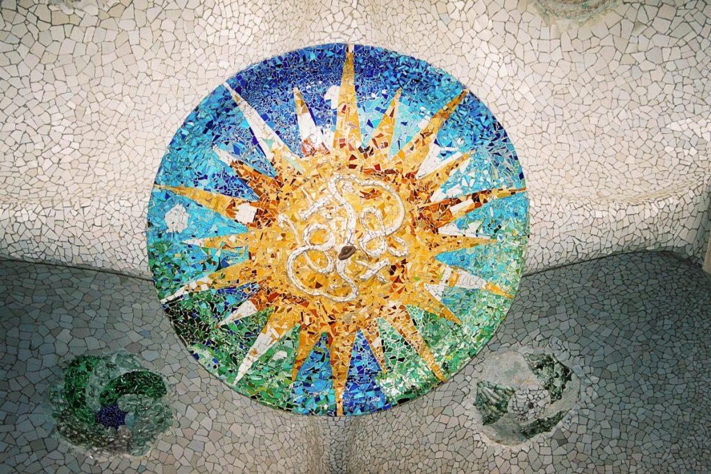 Mozaïek,Park Güell, Barcelona, Catalonië, Spanje (2003)