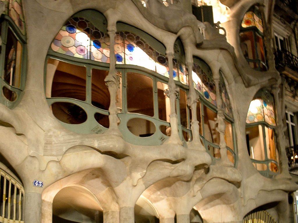 Ramen met botten,Casa Batlló, Barcelona, Catalonië, Spanje (2003)
