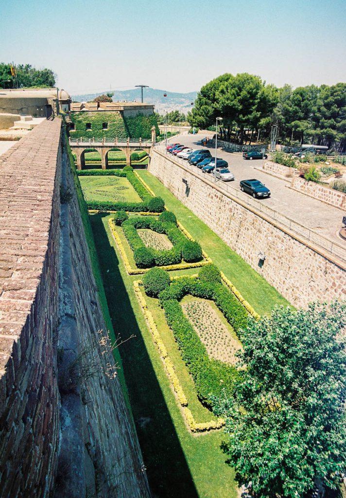 Zou dit een gracht zijn geweest?,Castell Monjuïc, Barcelona, Catalonië, Spanje (2003)
