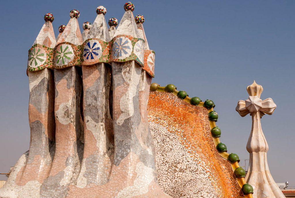 Schoorstenen,Casa Batlló, Barcelona, Catalonië, Spanje (2005)