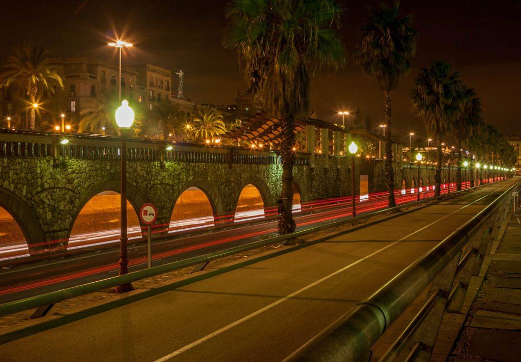 Lichtstrepen,Port Vell, Barcelona, Catalonië, Spanje (2005)
