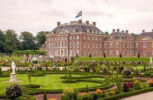 Het paleis en de tuin