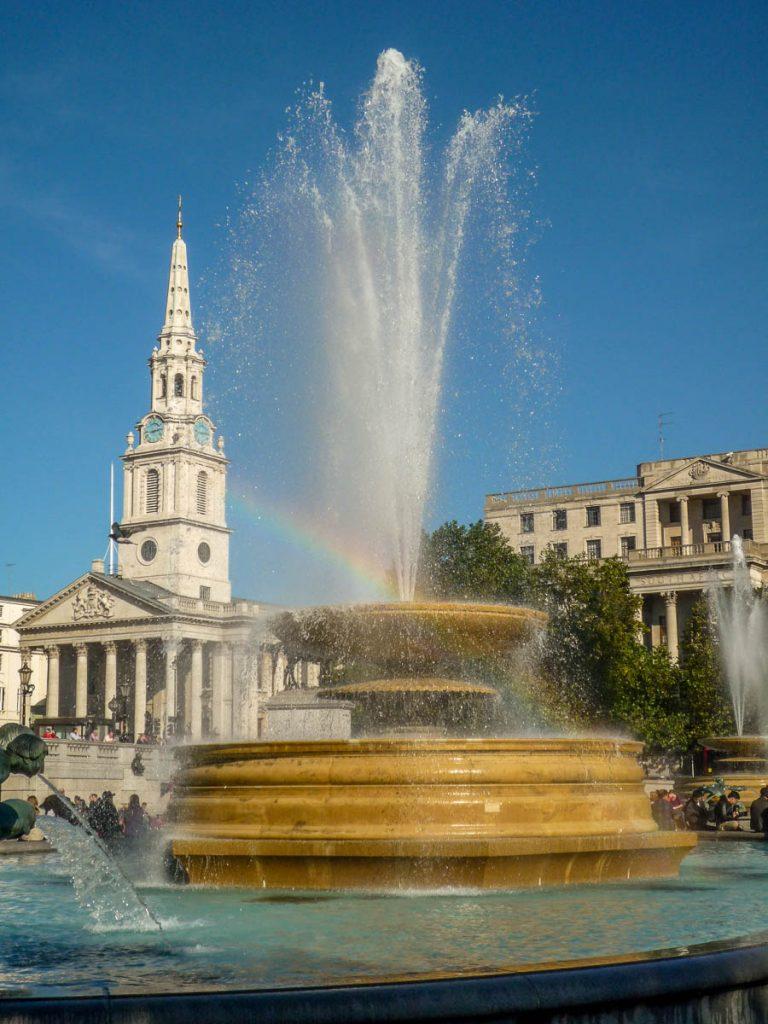 Fontein,Trafalgar Square, Londen, Engeland, Verenigd Koninkrijk (2010)