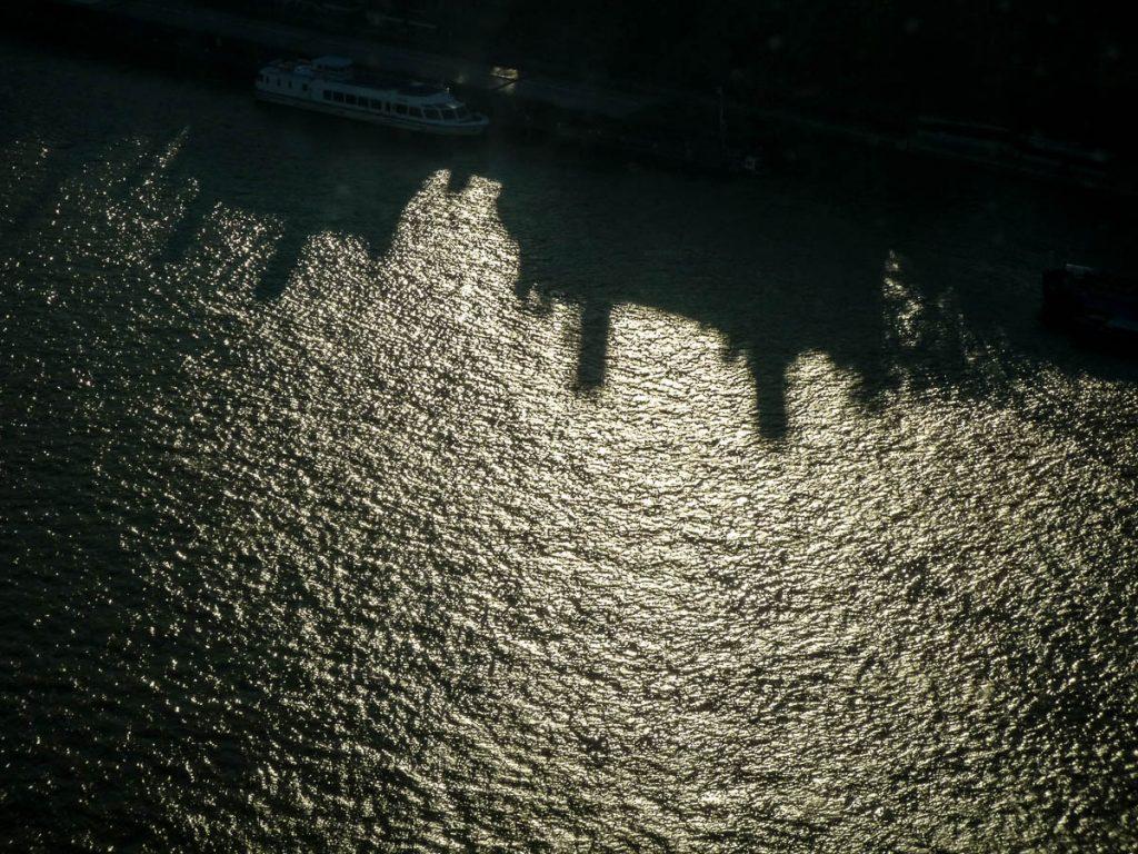 Schaduw op de Thames,London Eye, Londen, Engeland, Verenigd Koninkrijk (2010)