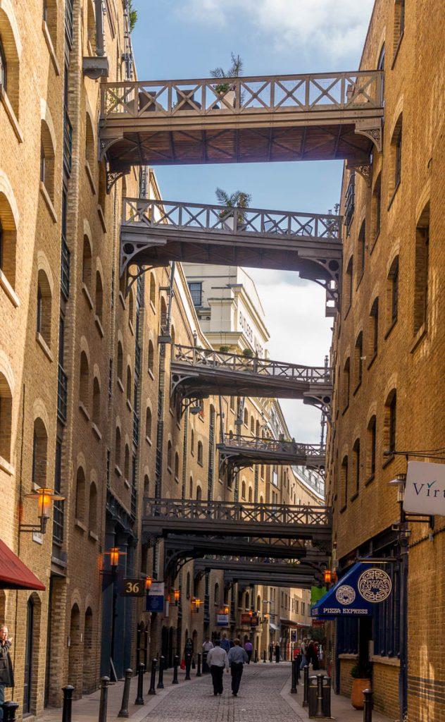 Grappig,Tower Bridge, Londen, Engeland, Verenigd Koninkrijk (2010)