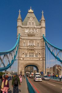 Op de Tower Bridge