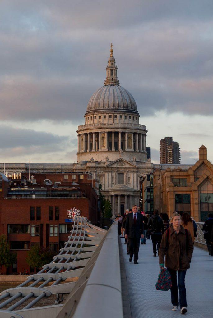 St. Paul's Cathedral,Millennium Bridge, Londen, Engeland, Verenigd Koninkrijk (2010)