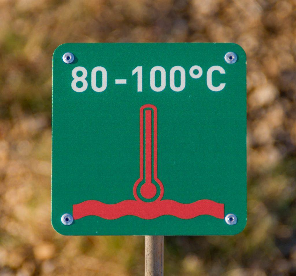 Iets te warm voor een bad,Geysir Geothermal Area, Zuid IJsland, IJsland (2010)