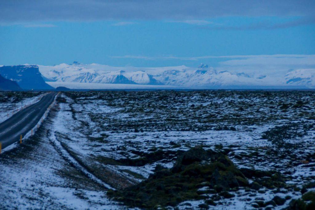 Gletsjer in de verte,Hringvegur, Zuid IJsland, IJsland (2010)