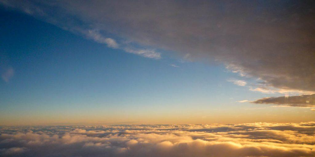 Tussen de wolken