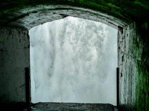 Achter de Horseshoe Falls