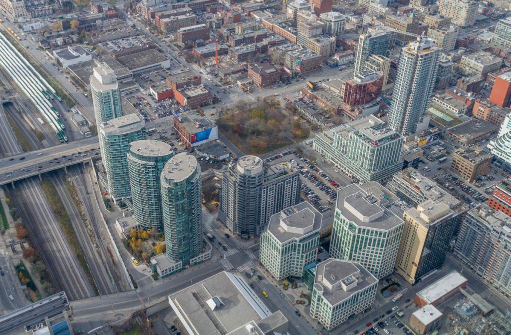 Uitzicht over Toronto,CN Tower, Toronto, Ontario, Canada (2010)
