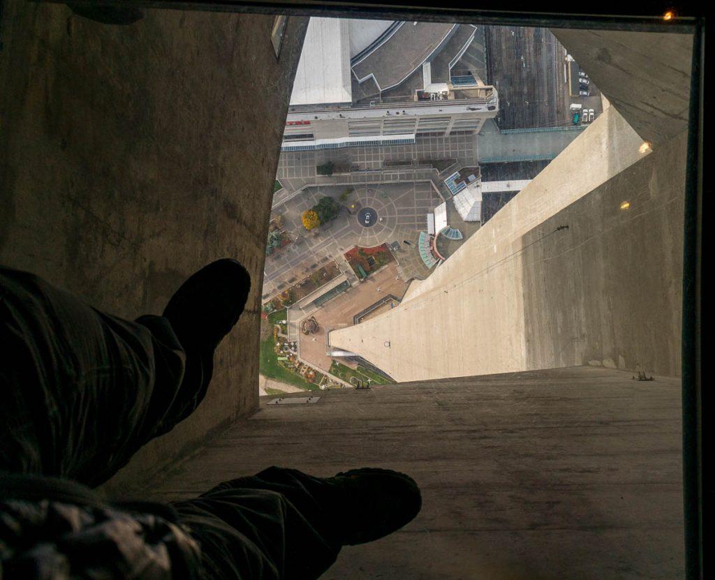 Niet echt prettig om op te staan,CN Tower, Toronto, Ontario, Canada (2010)