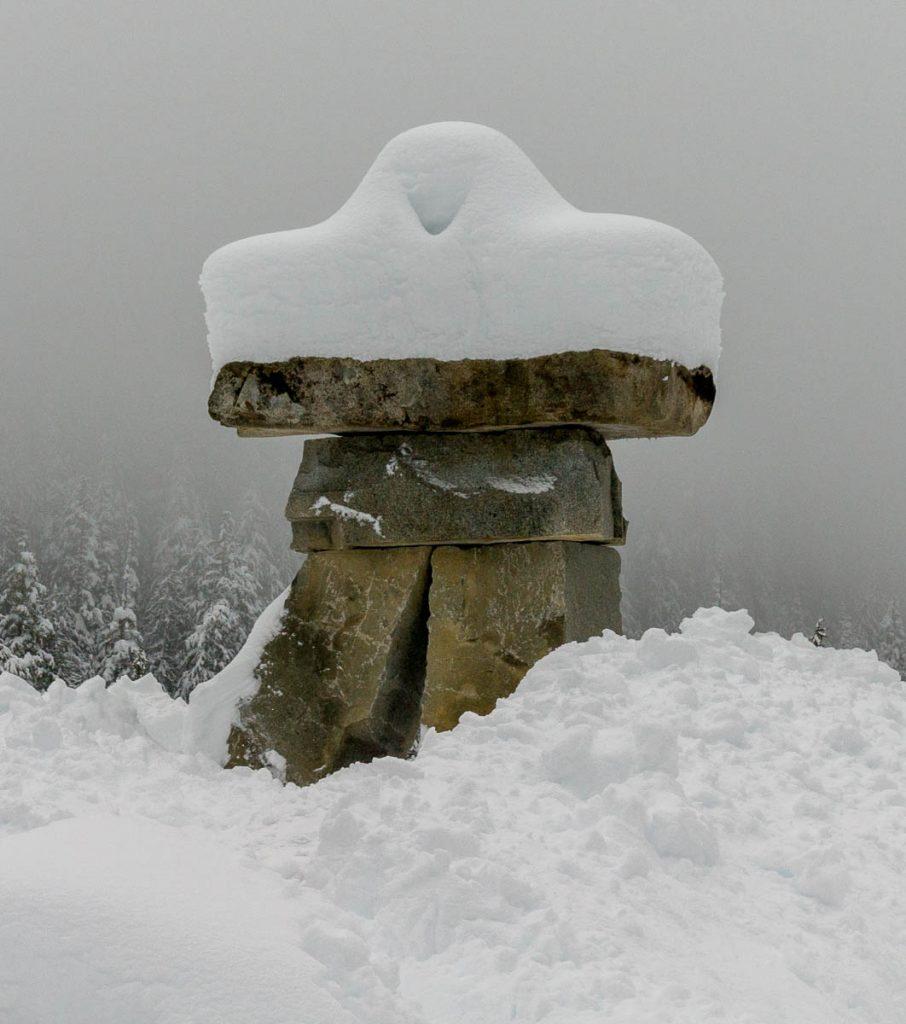 Besneeuwde Inukshuk,Whistler, British Columbia, Canada (2010)