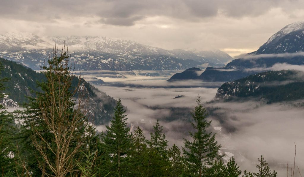 Laaghangende wolken,Whistler, British Columbia, Canada (2010)