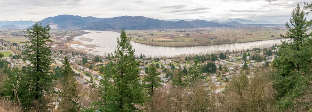 Uitzicht over de Fraser River,Westminster Abbey, Mission, British Columbia, Canada (2010)