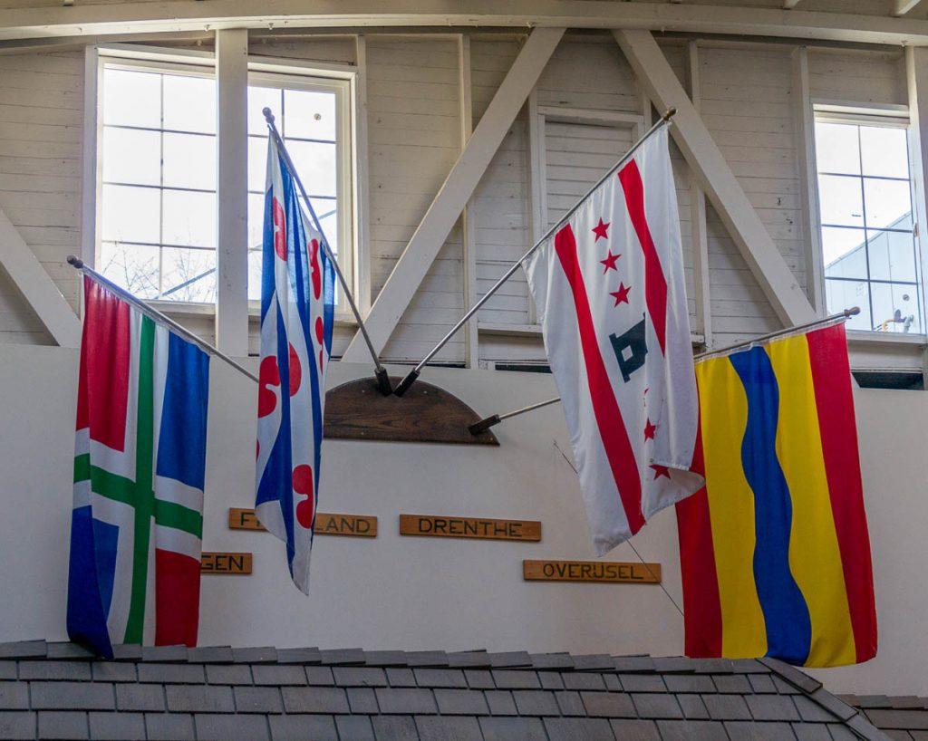 Vlag van Groningen, Friesland, Drenthe en Overijssel,Dutch Village, Lynden, Washington, Verenigde Staten (2010)