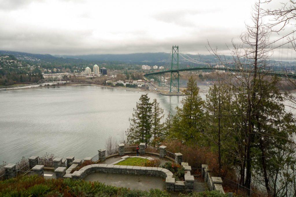 Uitzicht over Burrard Inlet en West Vancouver,Stanley Park, Vancouver, British Columbia, Canada (2010)
