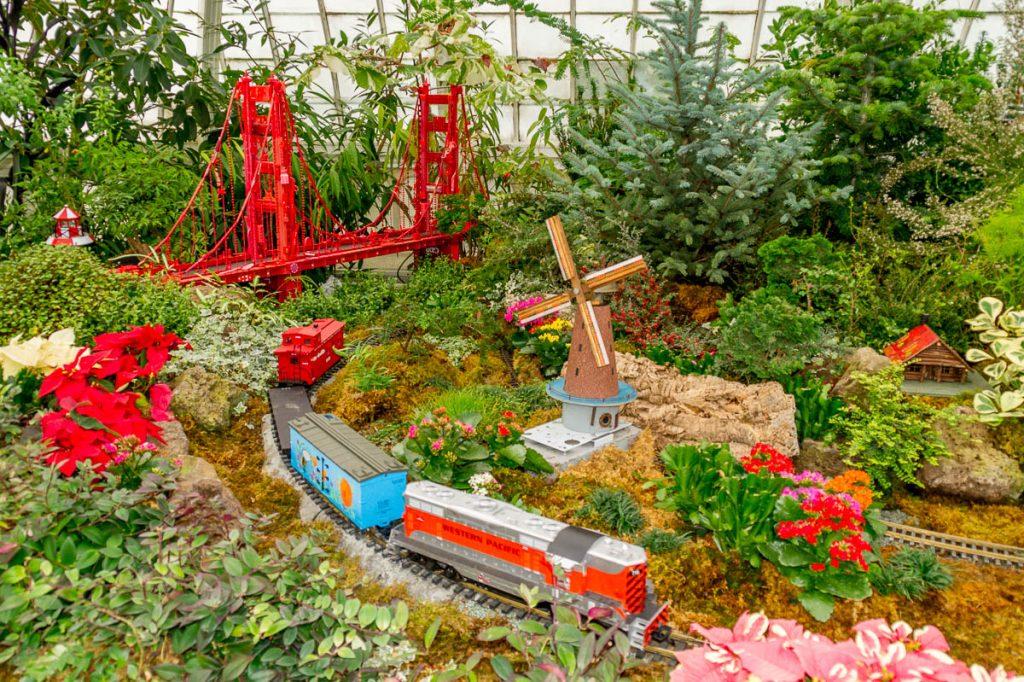 Alles gemaakt van gerecycled materiaal,Conservatory of Flowers, San Francisco, Californië, Verenigde Staten (2010)