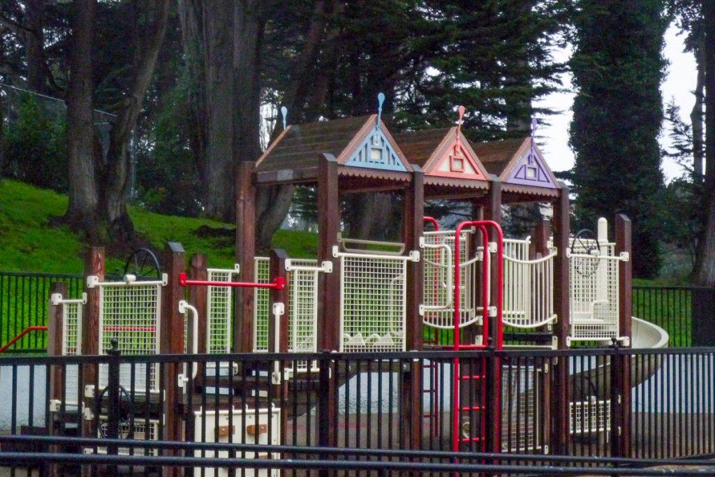Victoriaanse speeltuin,Alamo Square, San Francisco, Californië, Verenigde Staten (2010)