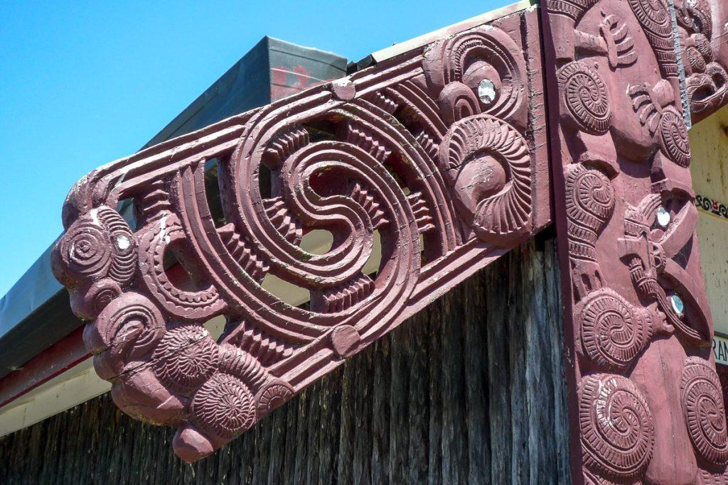 Wharenui - detail,Maketu Marae, Kawhia, Waikato, Nieuw Zeeland (2011)