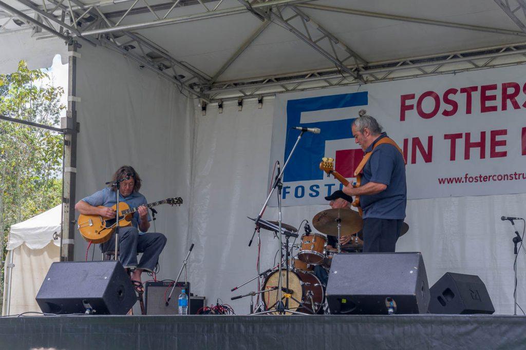 Slippery Noodle Trio,Hamilton, Waikato, Nieuw Zeeland (2011)