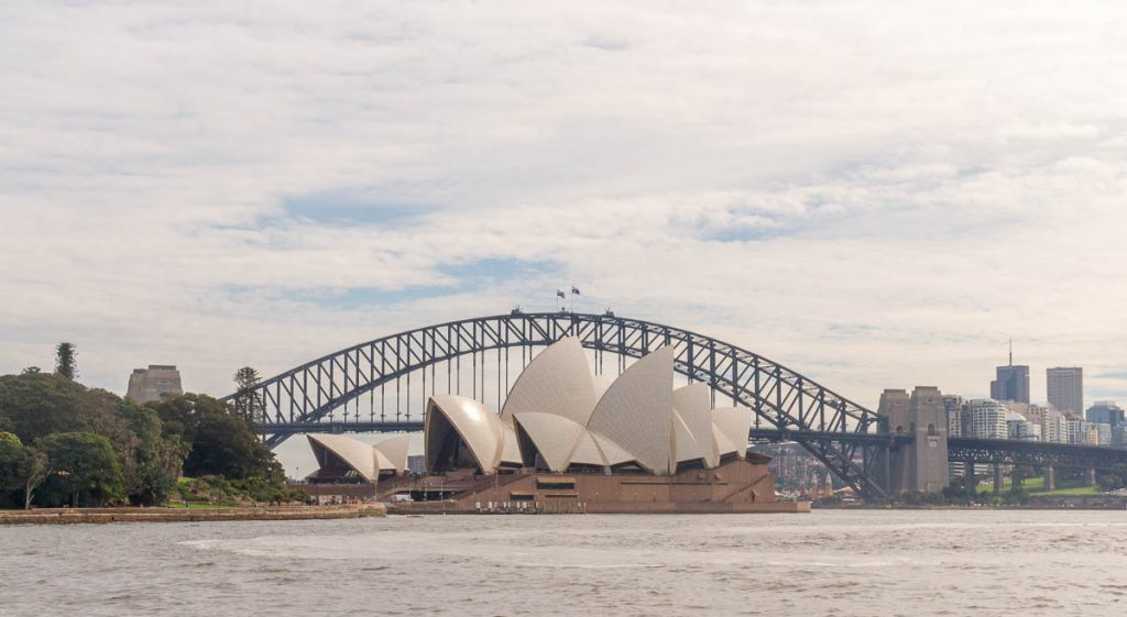 Sydney Opera House & Harbour Bridge,Royal Botanical Gardens, Sydney, New South Wales, Australië (2011)