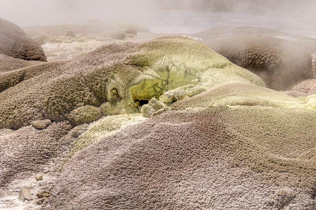 Het ruikt hier niet echt fris,Te Puia, Rotorua, Bay of Plenty, Nieuw Zeeland (2011)