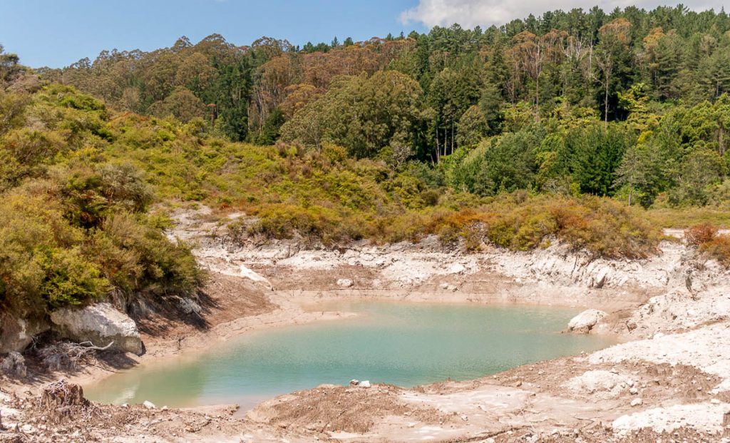 Laag water,Te Puia, Rotorua, Bay of Plenty, Nieuw Zeeland (2011)
