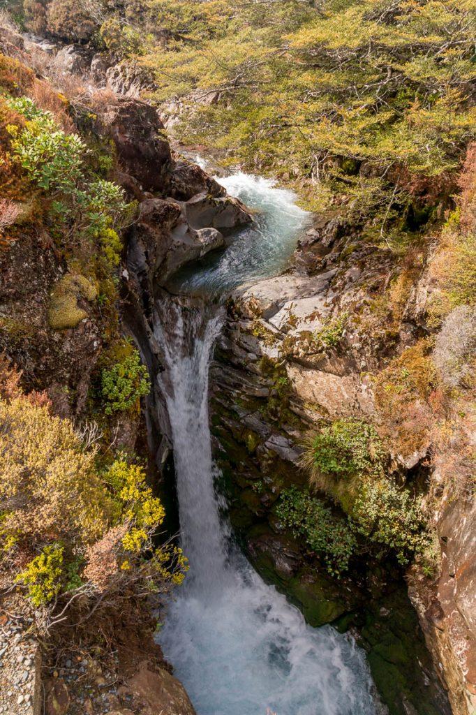 Kleine waterval,Taranaki Falls Loop Track, Tongariro National Park, Manawatu-Wanganui, Nieuw Zeeland (2011)