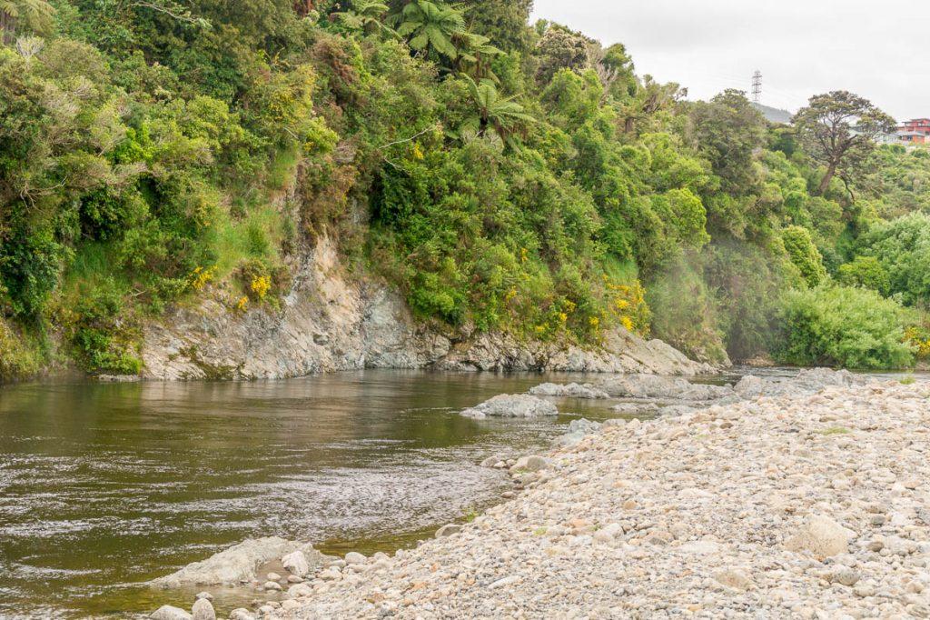 Hier werd het reisgenootschap gefilmd in hun kano's,Anduin River, Upper Hutt, Wellington, Nieuw Zeeland (2011)