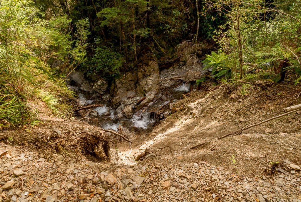Niet naar beneden kijken...,Inangahua, West Coast, Nieuw Zeeland (2011)