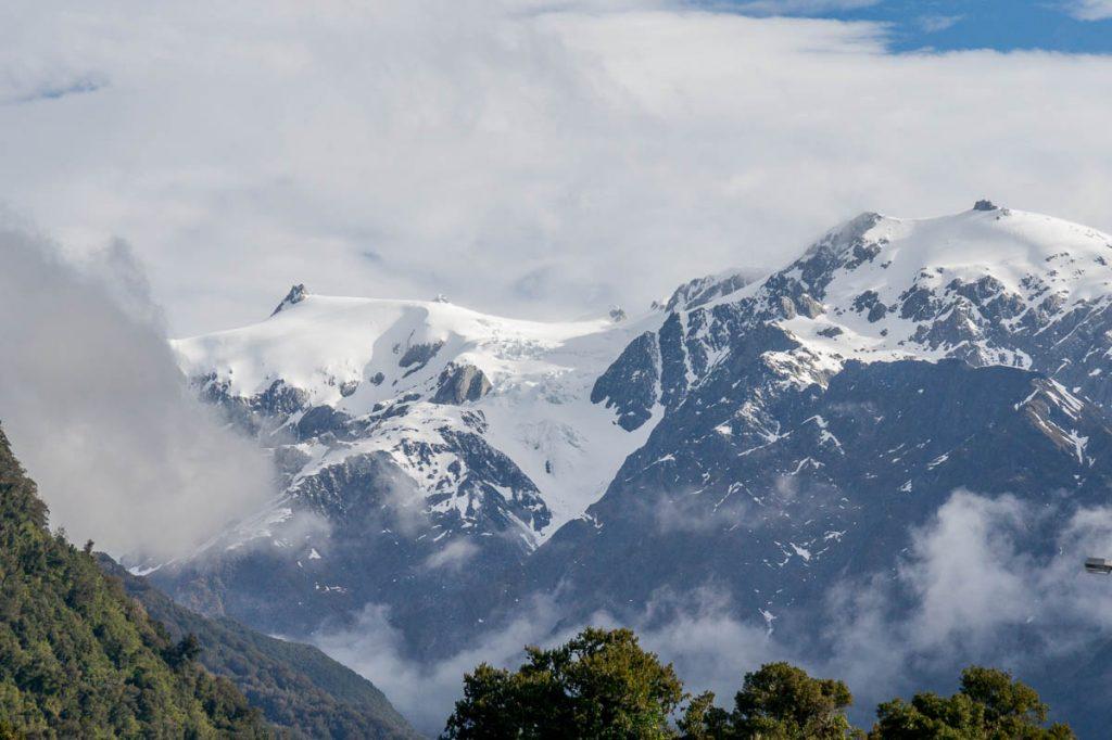 Besneeuwde toppen,Franz Josef Glacier, West Coast, Nieuw Zeeland (2011)