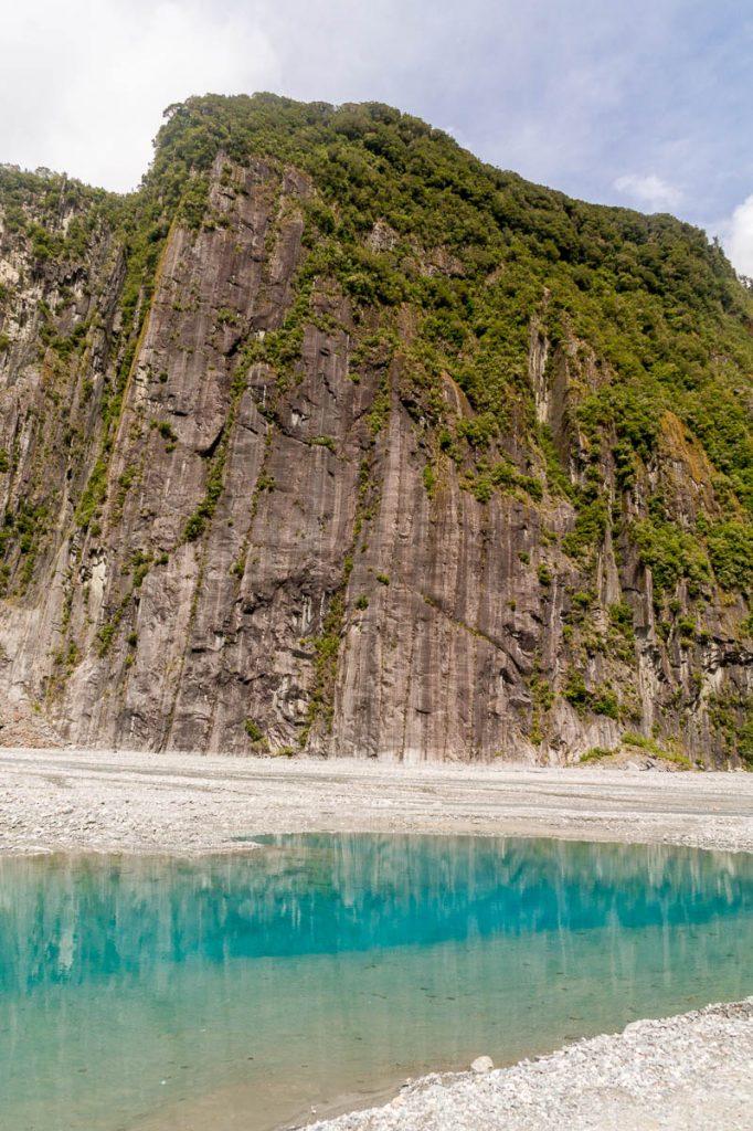 Helder water,Fox Glacier, Westland National Park, West Coast, Nieuw Zeeland (2011)