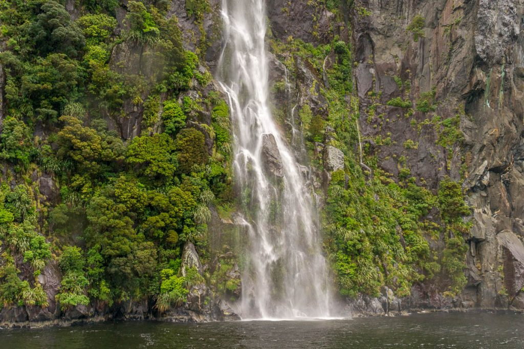 Waterval,Milford Sound, Fiordland National Park, Southland, Nieuw Zeeland (2011)
