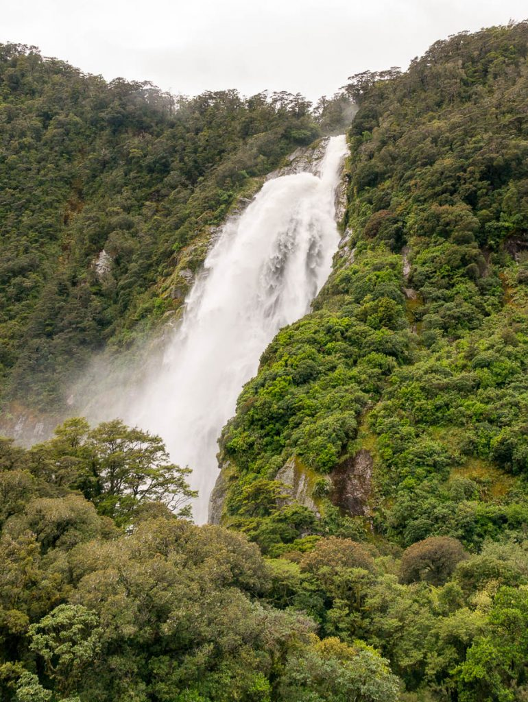 Bowen Falls,Milford Sound, Fiordland National Park, Southland, Nieuw Zeeland (2011)