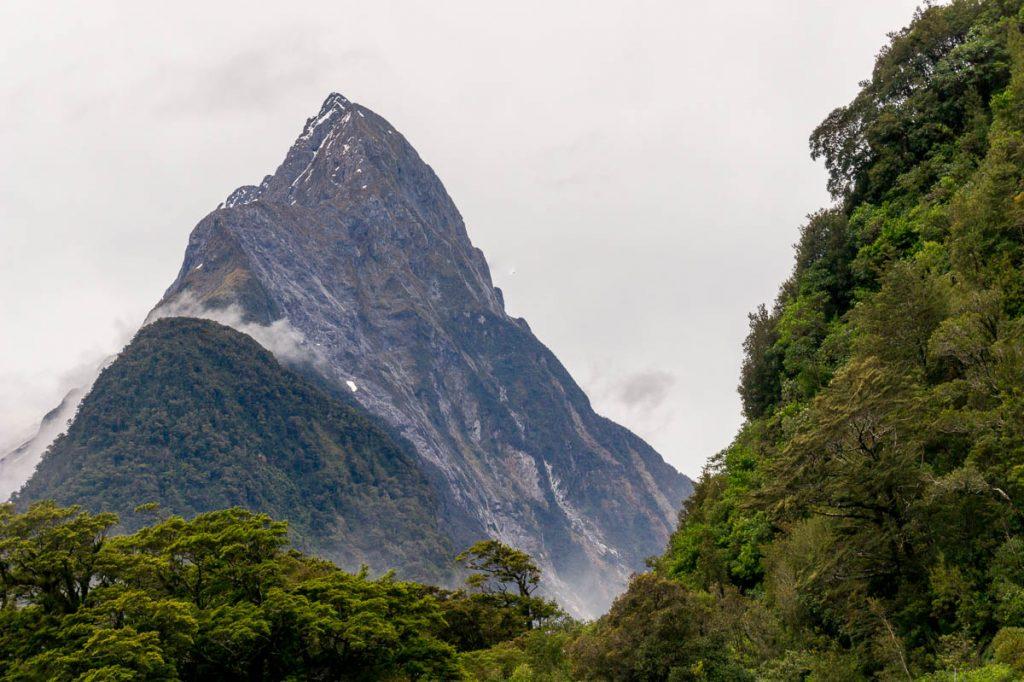 Mitre Peak,Milford Sound, Fiordland National Park, Southland, Nieuw Zeeland (2011)