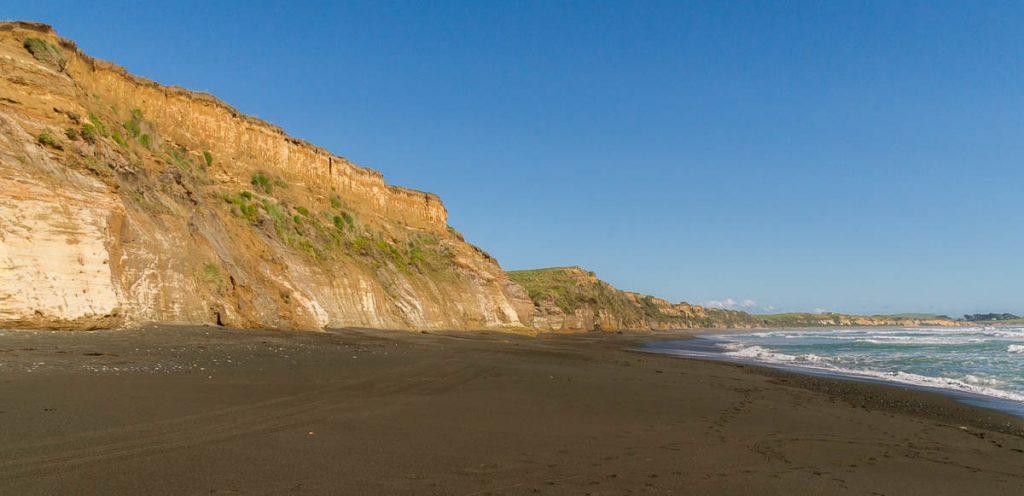 Zwart zand,Te Waewae Bay, Orepuki, Southland, Nieuw Zeeland (2011)