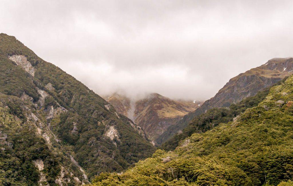 Laaghangende wolken,Arthur's Pass, Canterbury, Nieuw Zeeland (2011)
