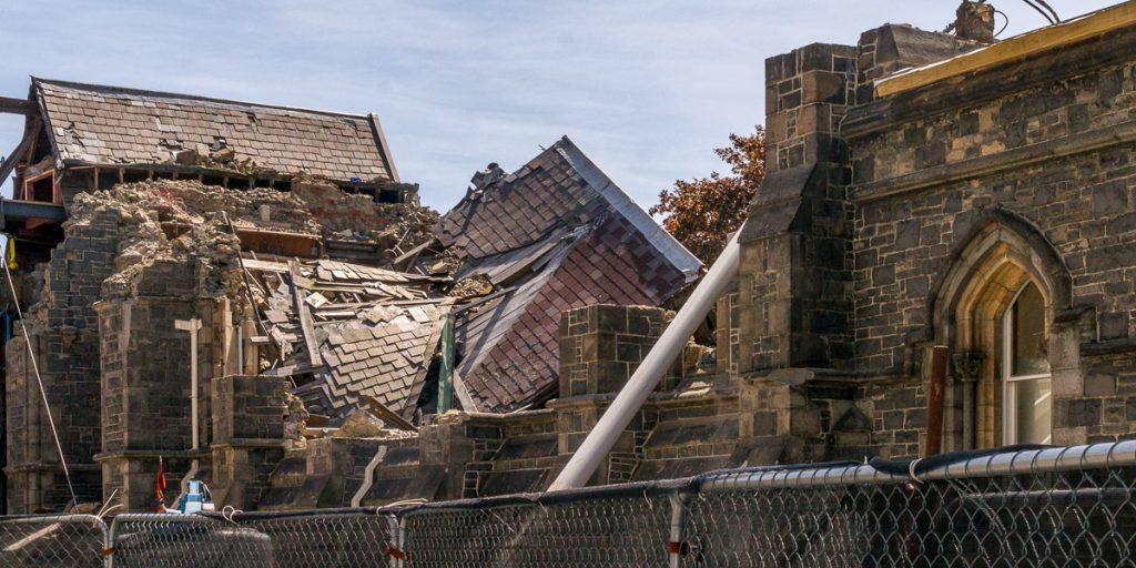 De gevolgen van de aardbeving (feb 2011) zijn nog overal zichtbaar