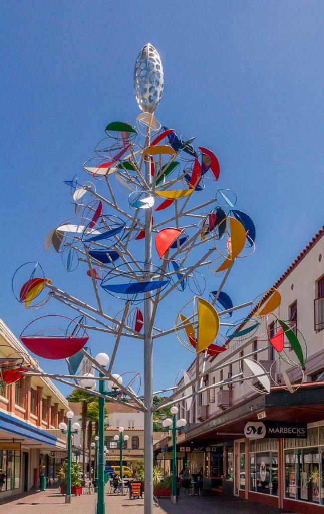 Tree Sculpture (William Jamieson, Ricks Terstappen & Gail Wright),Emerson Street, Napier, Hawke's Bay, Nieuw Zeeland (2011)