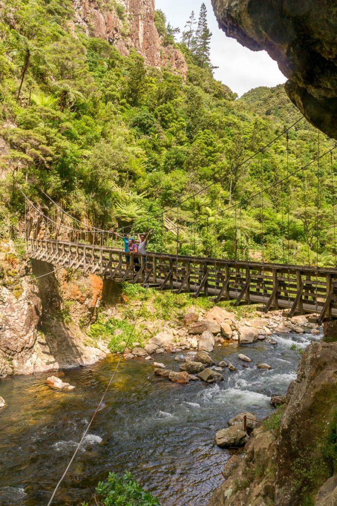 Hangbrug,Karangahake Gorge, Karangahake, Waikato, Nieuw Zeeland (2011)