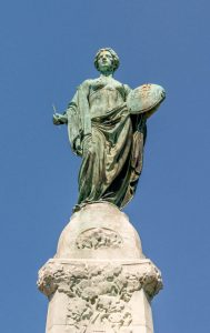 Clio, the godin van de geschiedenis bovenop het eenheidsmonument