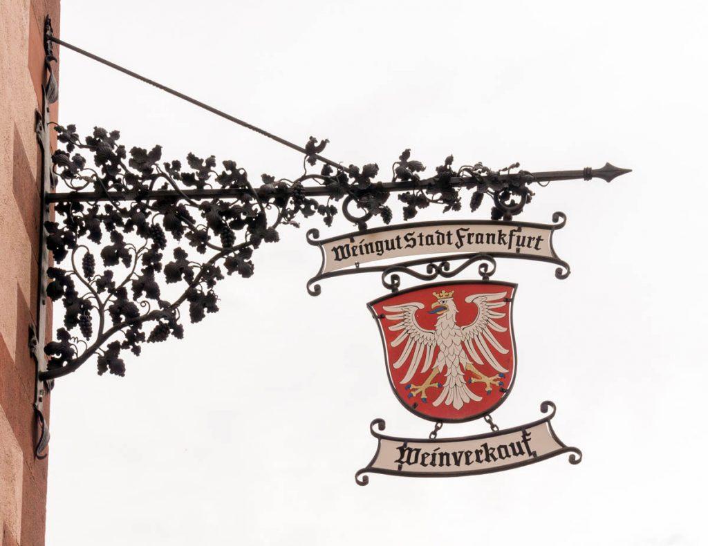 Weinverkauf,Römerberg Platz, Frankfurt, Hessen, Duitsland (2013)