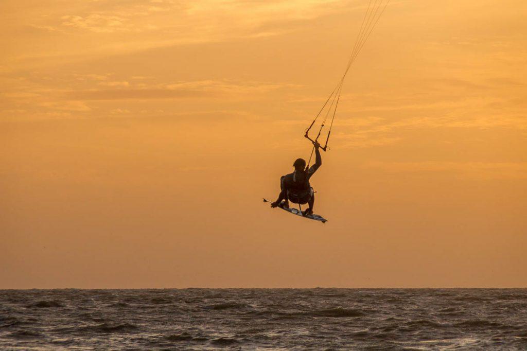 Kitesurfer,Scheveningen Noorderstrand, Den Haag, Zuid-Holland (2015)