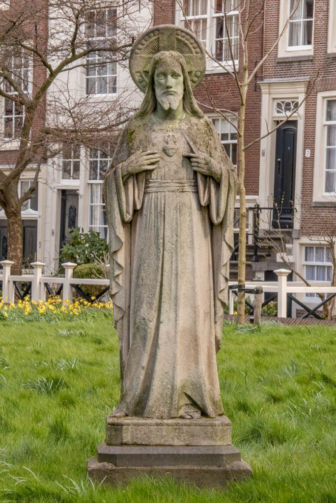 Standbeeld van Jezus,Begijnhof, Amsterdam, Noord-Holland (2016)