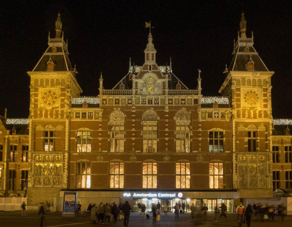 Centraal Station,Stationsplein, Amsterdam, Noord-Holland (2016)